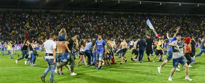 Frosinone in Serie A, ma il Palermo annuncia ricorso. Lo spareggio: 2 a 0, tra palloni tirati in campo e invasione
