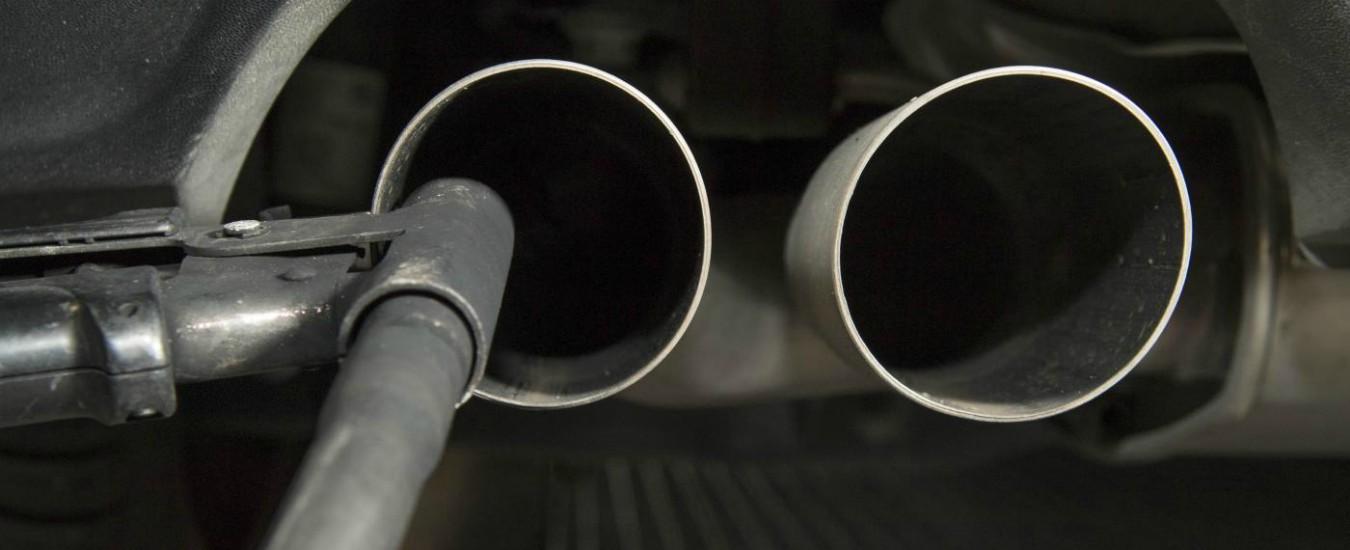 Emissioni CO2, negli ultimi dieci anni in Italia sono calate del 22 per cento