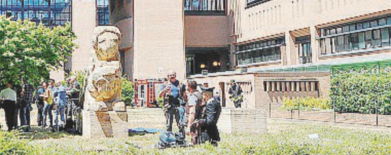 """Torino, corruzione in procura: 7 accusati. """"Carabiniere forniva assistiti a penalista in cambio di lavoro per i figli e auto"""""""