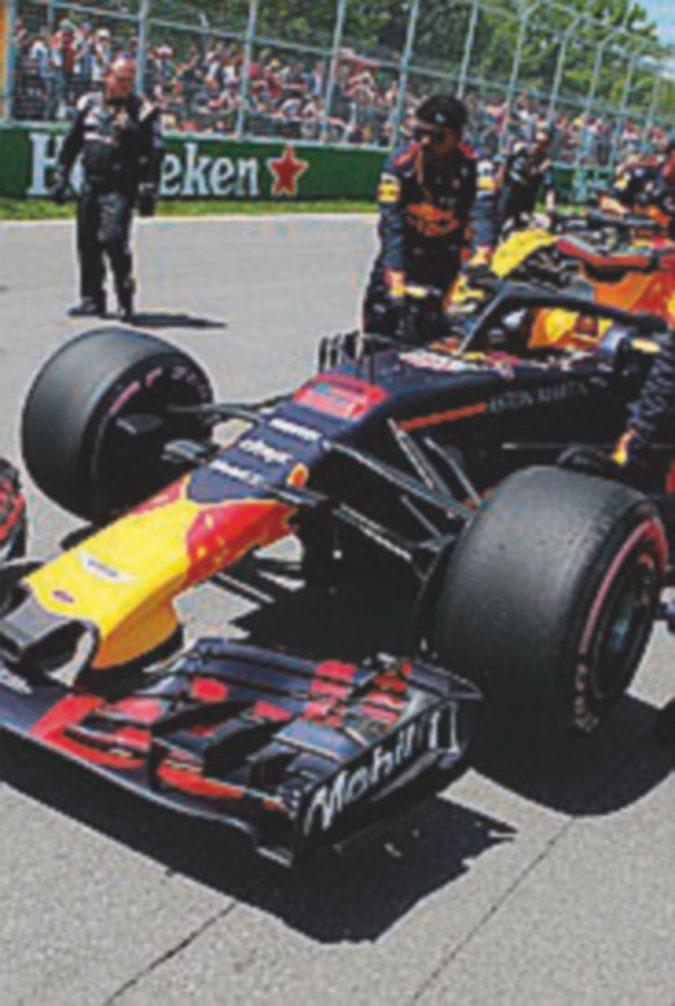 Red Bull lascia Renault per Honda