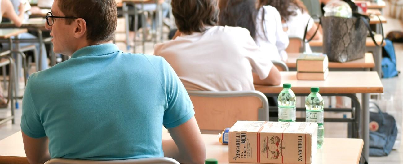 Maturità, l'ultima volta della terza prova: gli studenti impegnati con il quizzone