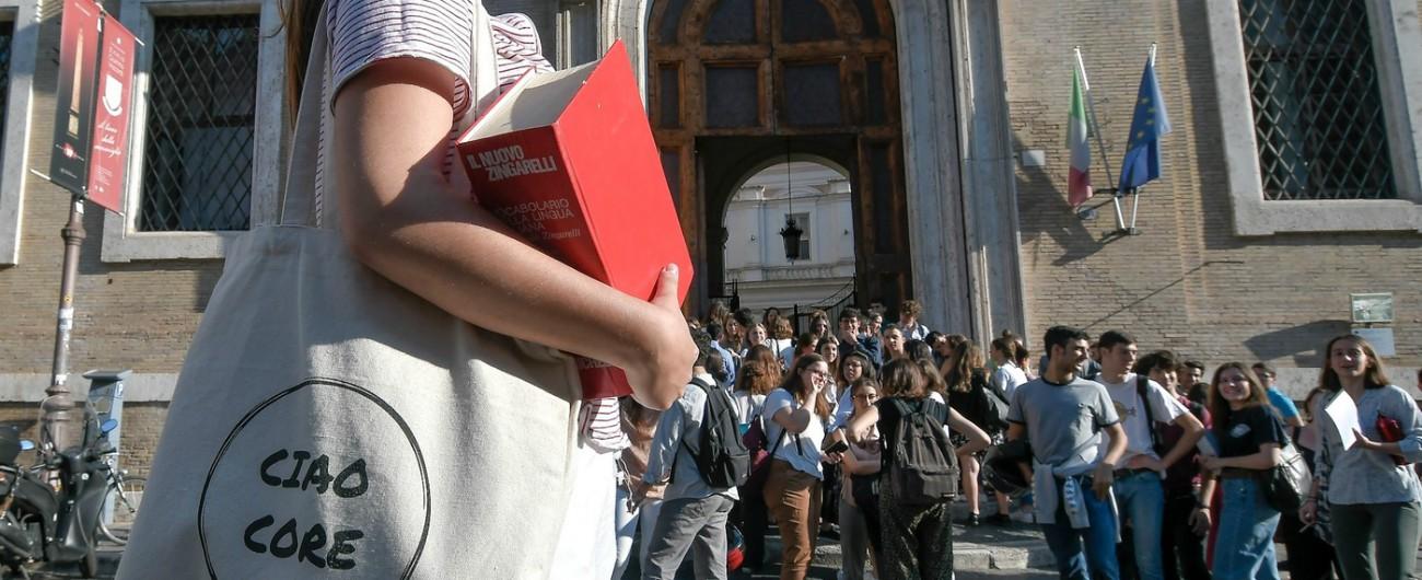 Scuola, nella nota al Def nuovi fondi per gli Its, ampliamento no tax area e revisione del numero chiuso all'Università
