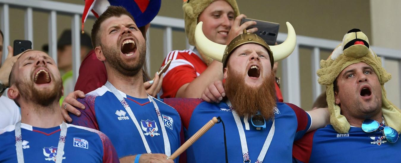 Russia 2018, le palle di Putin / Tra ultras spariti, bisticci antidoping e cori islandesi
