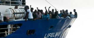 "Lifeline, Toninelli: ""È in acque maltesi"". Ma La Valletta: ""La nave con i migranti non può attraccare qui"""