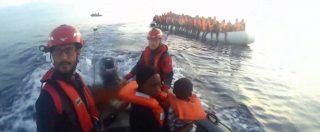 Nave Lifeline, il salvataggio in mare dei migranti. Il video del trasbordo del bambino e della madre