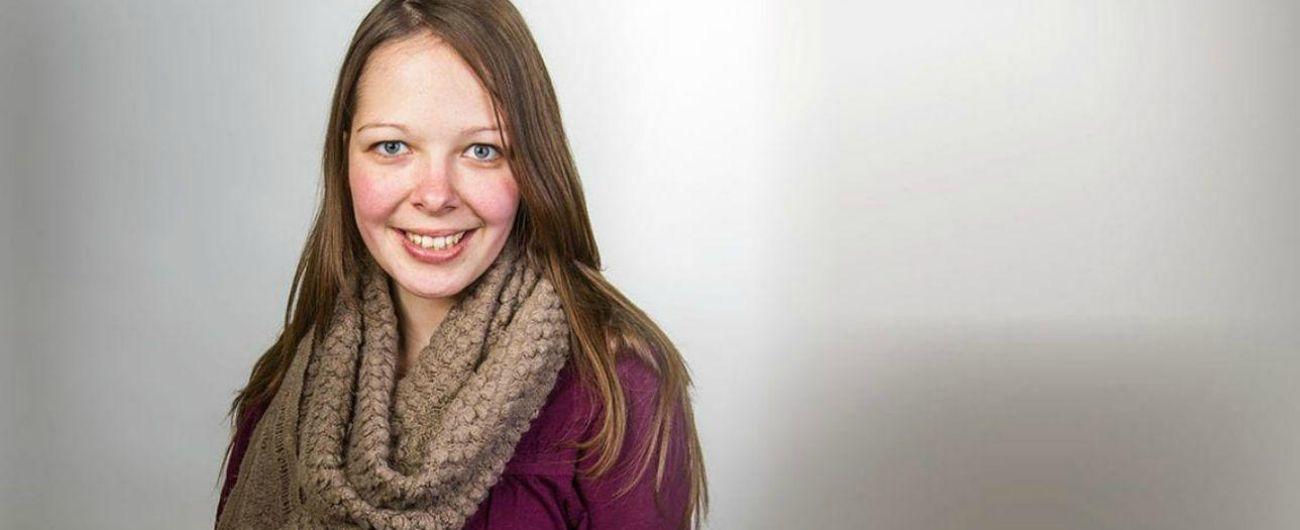 """Sophie Losche, 28enne tedesca trovata morta in Spagna: """"Uccisa mentre faceva autostop"""". Fermato un camionista"""