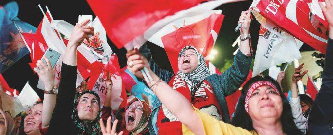 Turchia, il Sultano si (ri)prende tutto. Erdogan oltre il 50 per cento