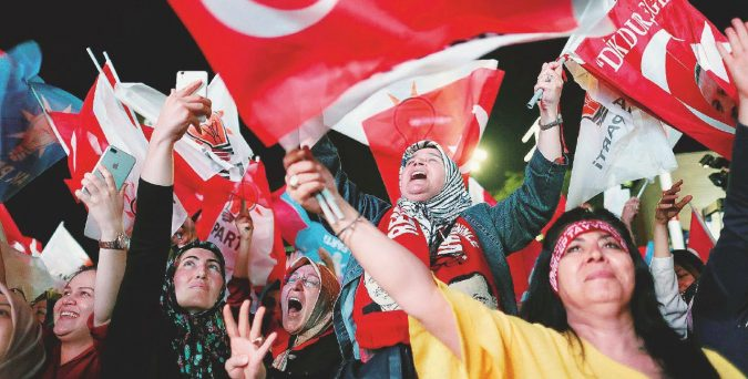 Il Sultano si (ri)prende tutto. Erdogan oltre il 50 per cento