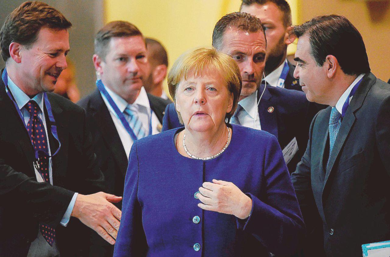 """In Edicola sul Fatto Quotidiano del 25 giugno: Conte, ultimo appello all'Europa: """"Chi sbarca qui sbarca nella Ue"""""""