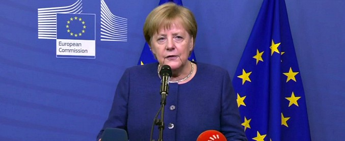 """Dazi auto Usa, Merkel: """"siamo pronti a negoziare una riduzione generale"""""""