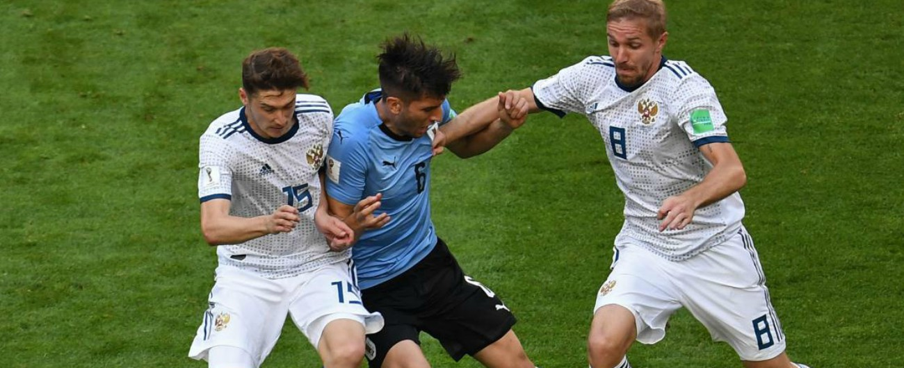 Mondiali Russia 2018, la Nazionale di casa arriva agli ottavi: lo 0-3 con l'Uruguay e i sospetti di doping (messi un po' a tacere)