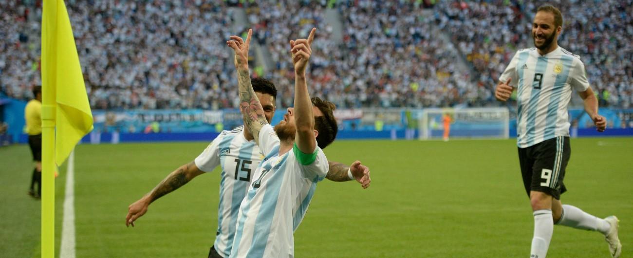 Mondiali, la notte folle dell'Argentina dopo aver scacciato le paure. E Leo Messi ringrazia il cielo: 'Ci ha dato un'occasione'