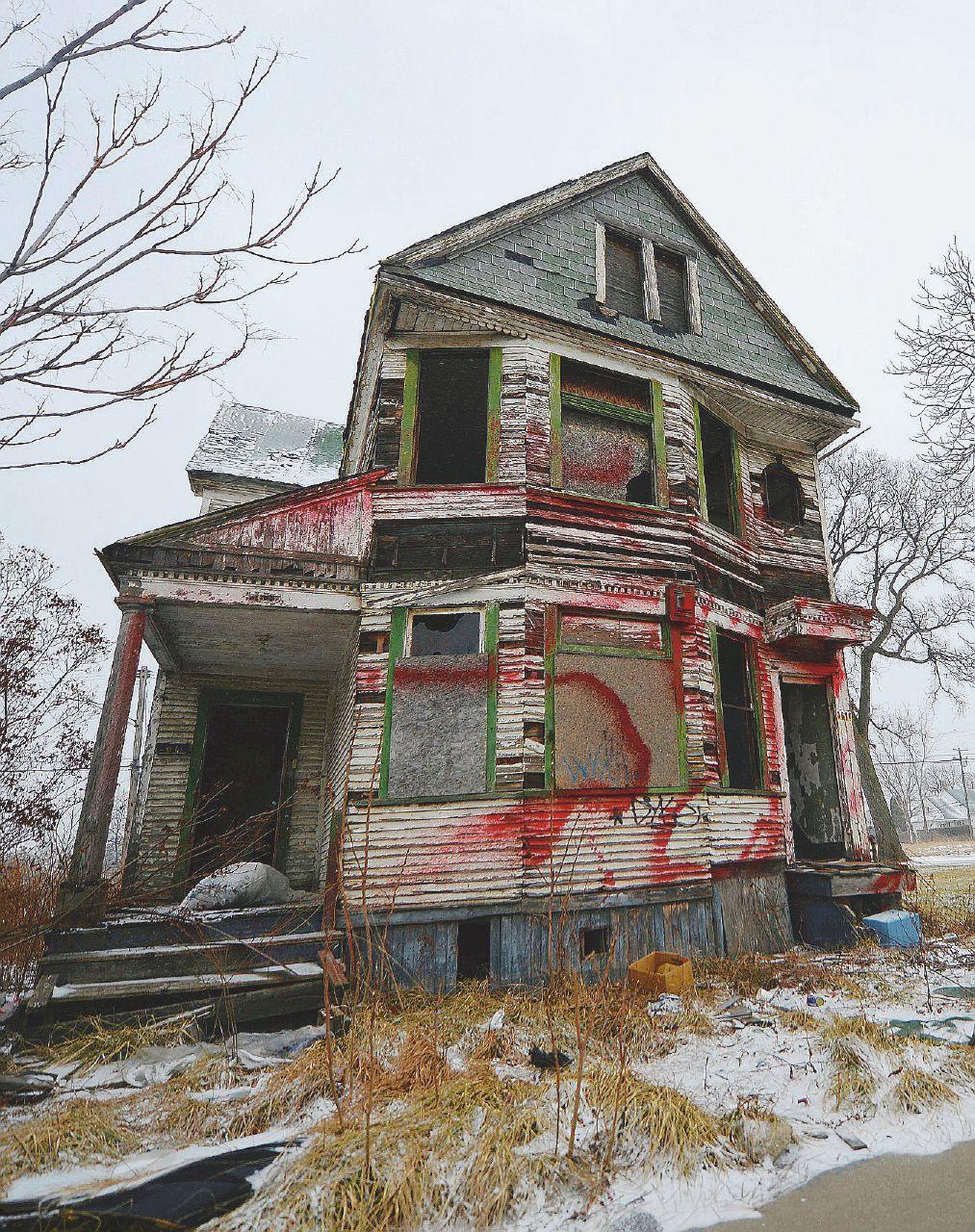 Tutti i poveri hanno avuto un padrone (o più) di casa