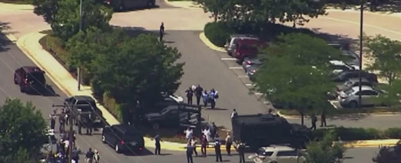 Usa, spari in un giornale nel Maryland: 5 morti. Fermato il killer: aveva fatto causa al quotidiano