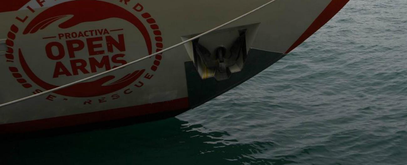"""Migranti, nave Open Arms: divieto di attracco nei porti italiani. Toninelli: """"Disposto per motivi di ordine pubblico"""""""