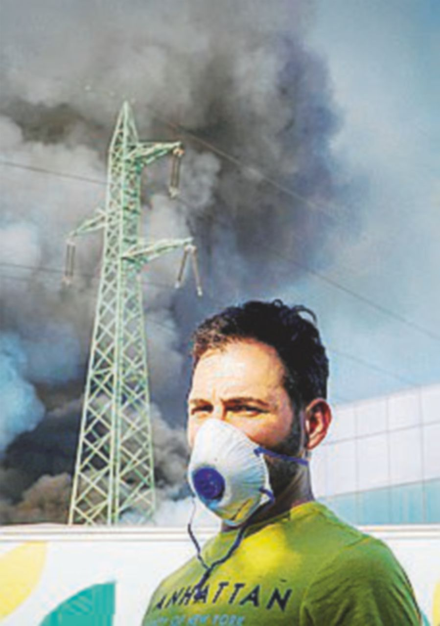 Incendio nel deposito di rifiuti: paura-inquinamento