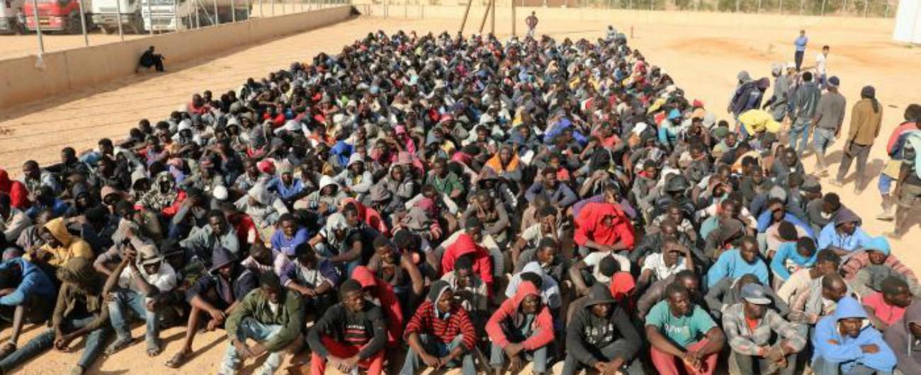 """Migranti, l'Unione Europea: """"Non li rimandiamo in Libia, situazione inumana"""""""