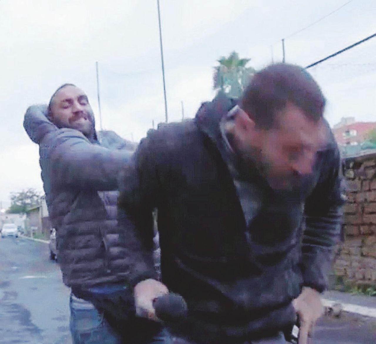 Non solo Spada, le aggressioni ai giornalisti non finiscono mai