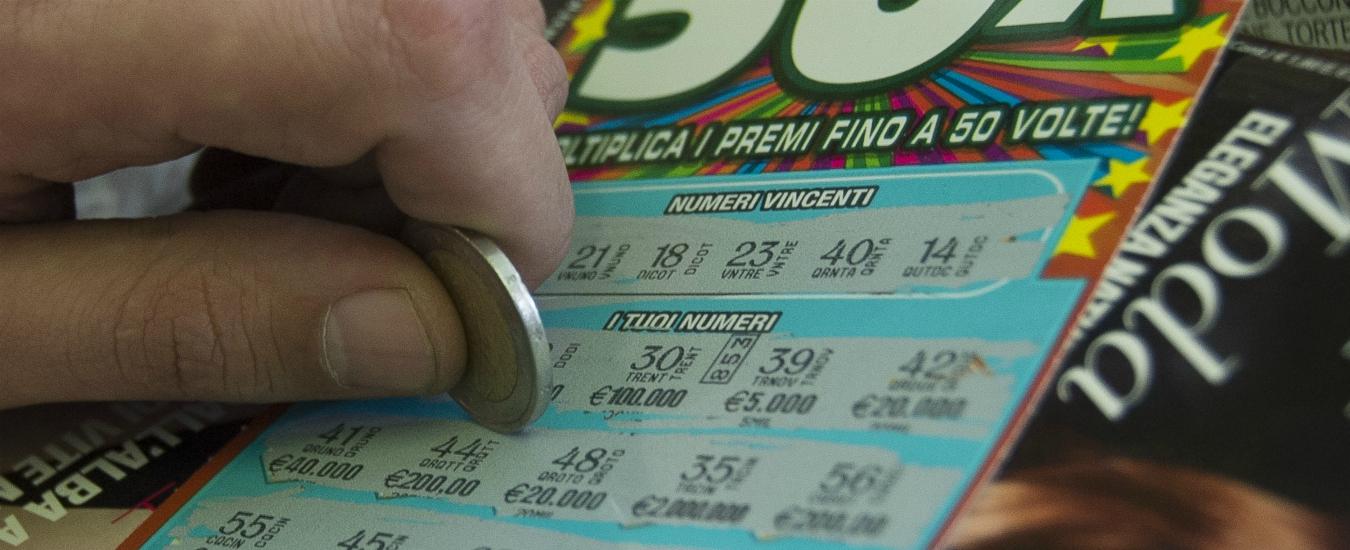 Ludopatia, gli italiani spendono più di 100 miliardi nel gioco d'azzardo. Quando una crisi diventa sintomo