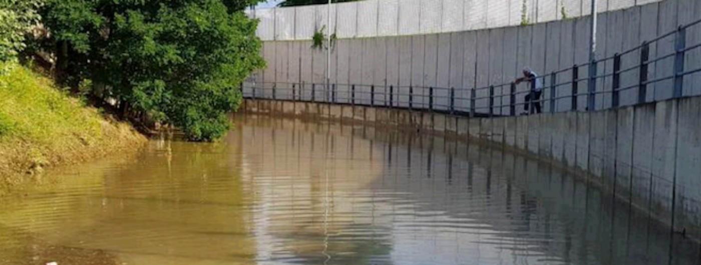 Maltempo Torino, temporale allaga sottopasso: uomo muore annegato
