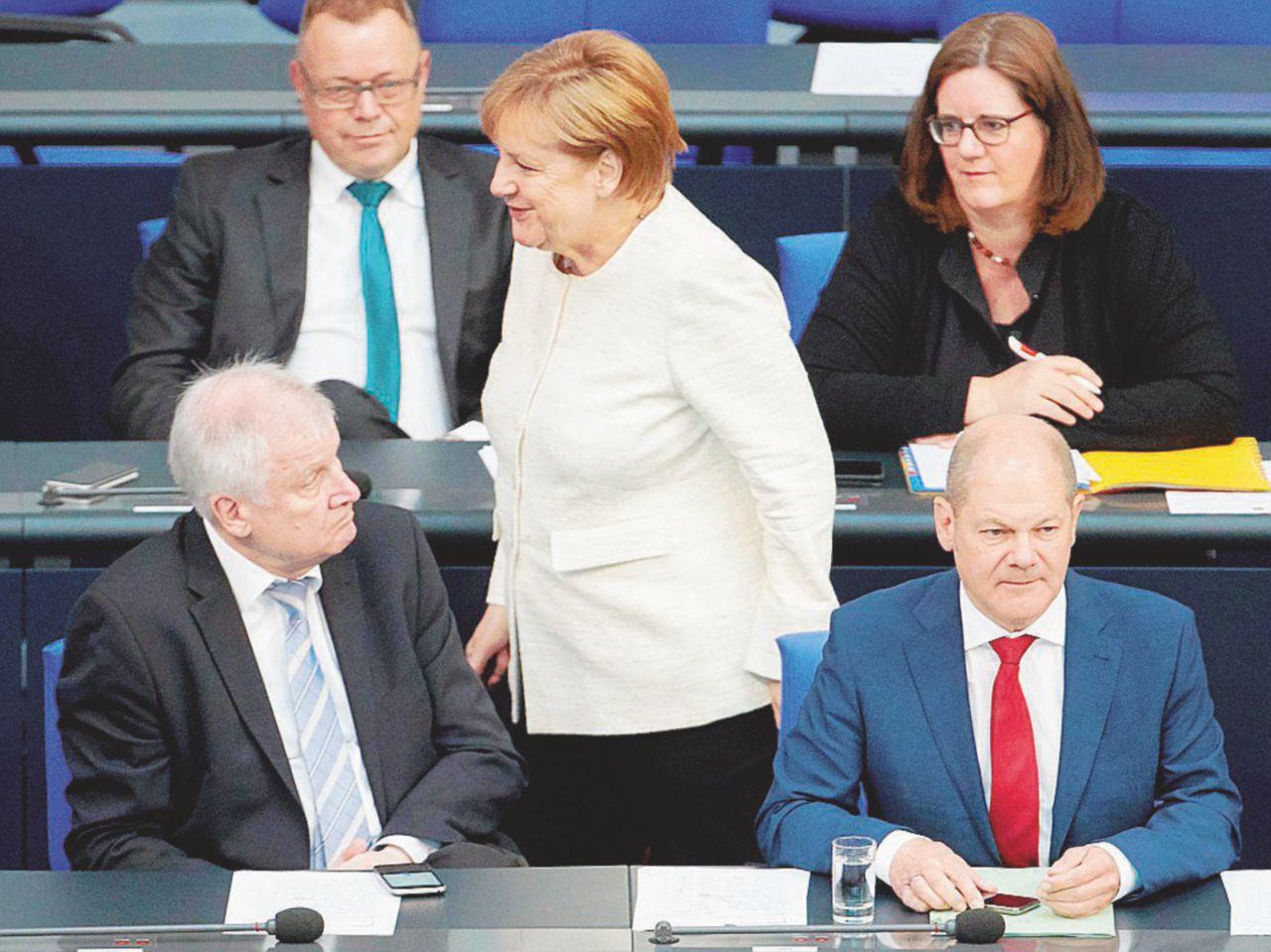 """Lo """"scaricabarile"""" Germania-Austria inguaia l'Italia"""