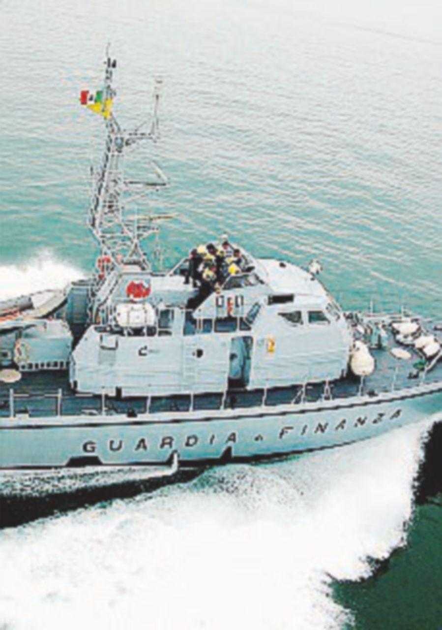 Curdi e iracheni, in 71 su una barca di 8 metri Scafisti arrestati