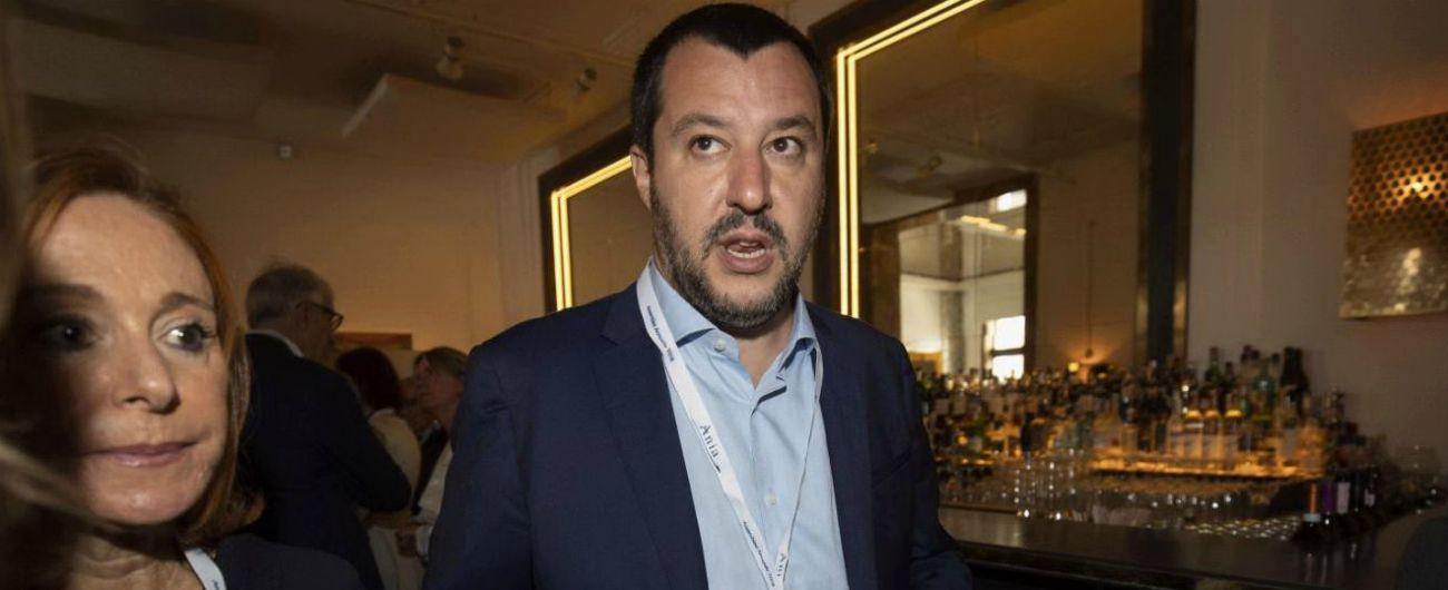 """Migranti, nave Diciotti diretta a Trapani. Salvini: """"In manette chi ha aggredito"""". Conte: """"Da Sud pericoli di foreign fighter"""""""