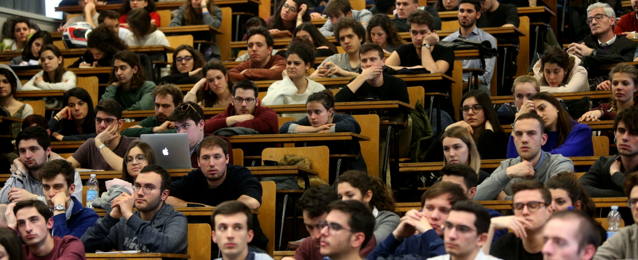 """Università, l'impegno di Fioramonti con i 5mila docenti in sciopero: """"Segnale di cambiamento chiaro e immediato"""""""