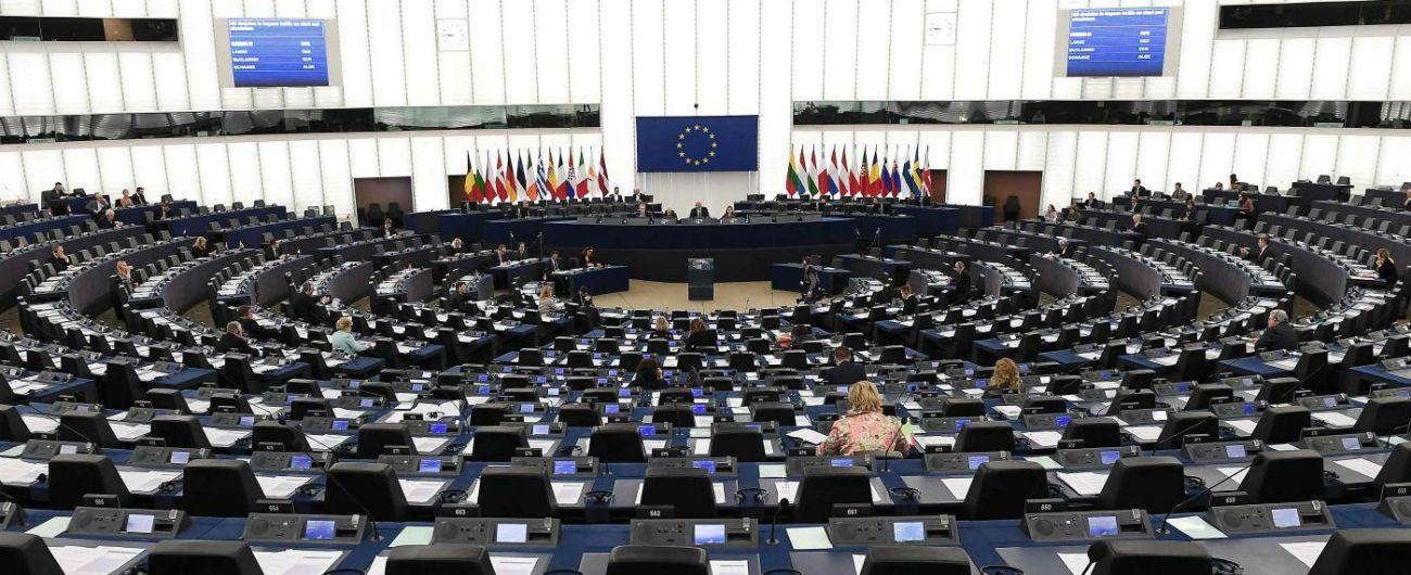 """Copyright, parlamento Ue approva la proposta di riforma: resta l'articolo sul """"bavaglio al web"""". Di Maio: """"Censura"""""""
