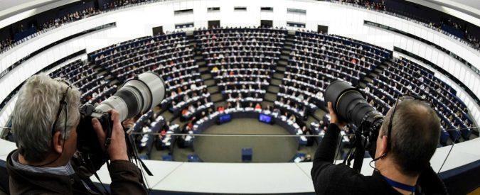 Copyright, il giallo del post della Commissione Ue sul drago sputafuoco