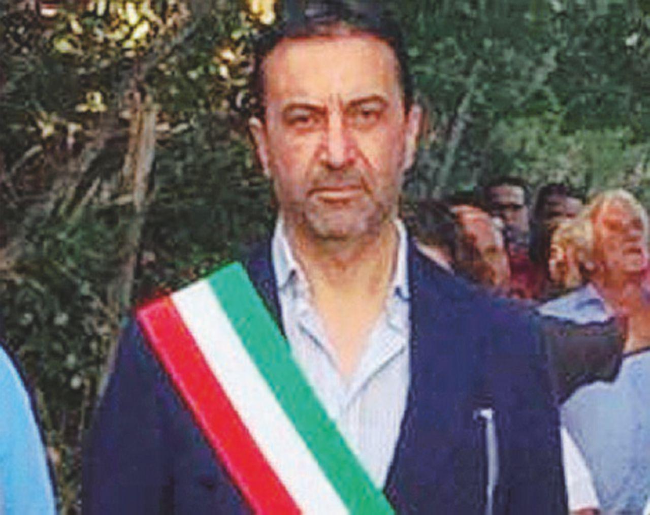 Palizzi, voucher per lavori inesistenti: arrestati il sindaco e due consiglieri comunali