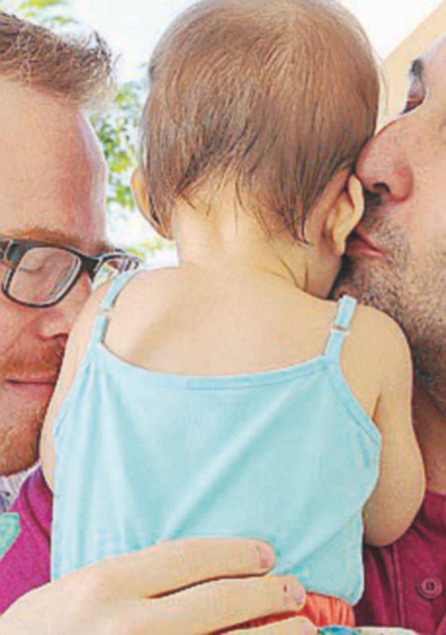 Unione civile omosex: riconosciuto anche il genitore non biologico