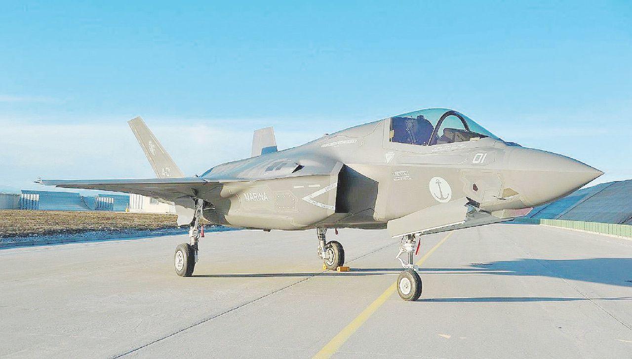 Trenta sfumature di F-35. Costi e benefici dello stop
