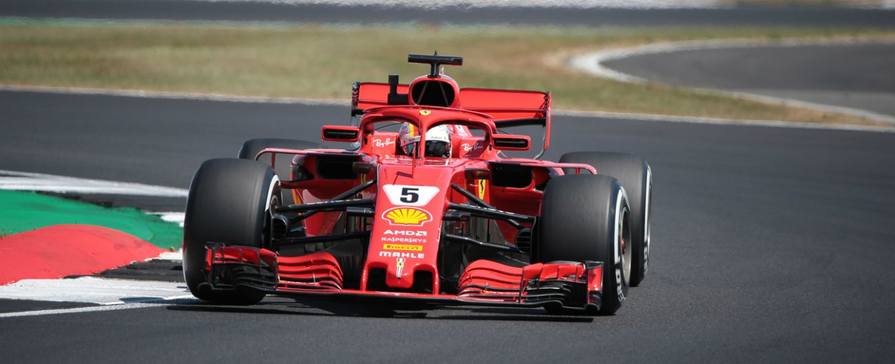 Formula 1, Gp Silverstone: vince Vettel davanti a Hamilton e Raikkoken. Rimonta show dell'inglese dopo il contatto al via