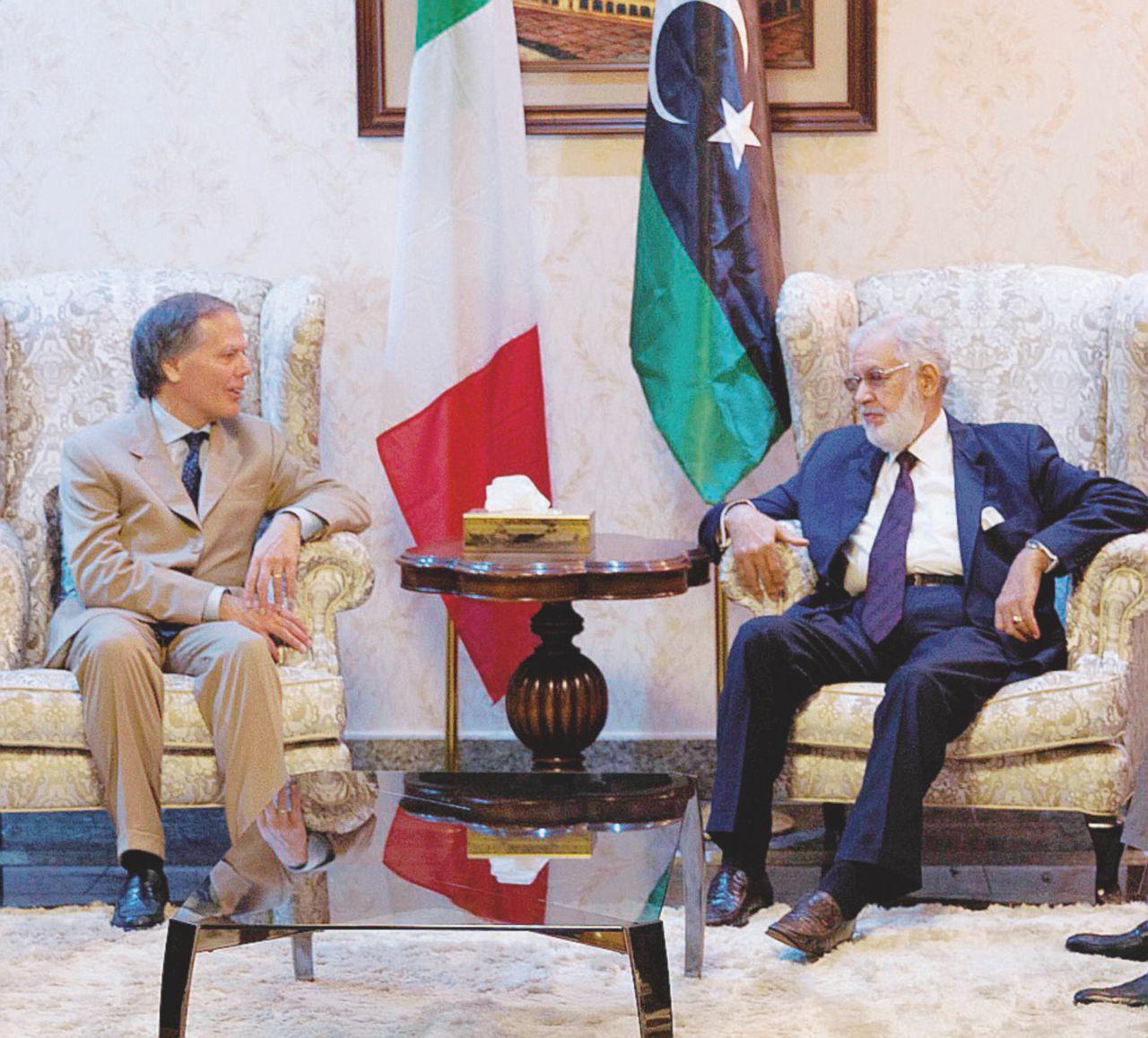 In Edicola sul Fatto Quotidiano del 8 luglio: Italia-Libia, nuovo patto per fermare chi parte via mare