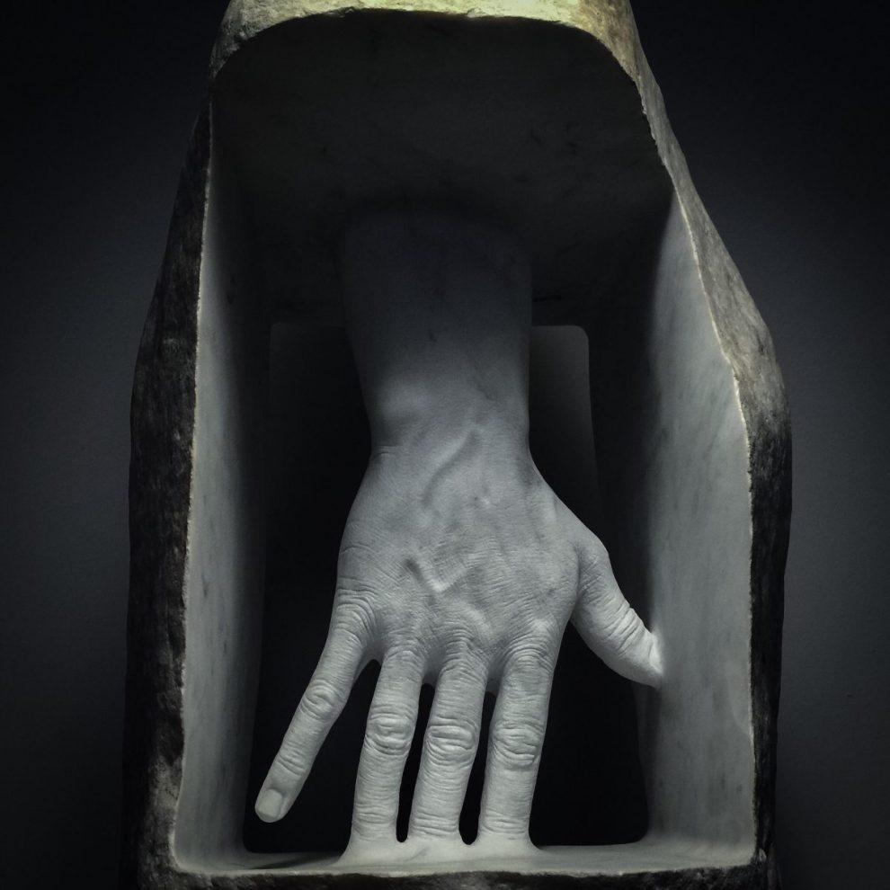 Jago – La pelle dentro (2010) Marmo statuario