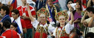 Russia / Matrioska – Stipare, abbellire, sorridere: l'estetica dei Mondiali di Putin vissuta dalla poltrona di casa