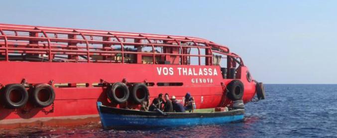 """Migranti, Salvini: """"Stop a navi italiane se soccorsi vicini a Libia"""". Conte convoca vertice. Ma il ministro resta in Calabria"""