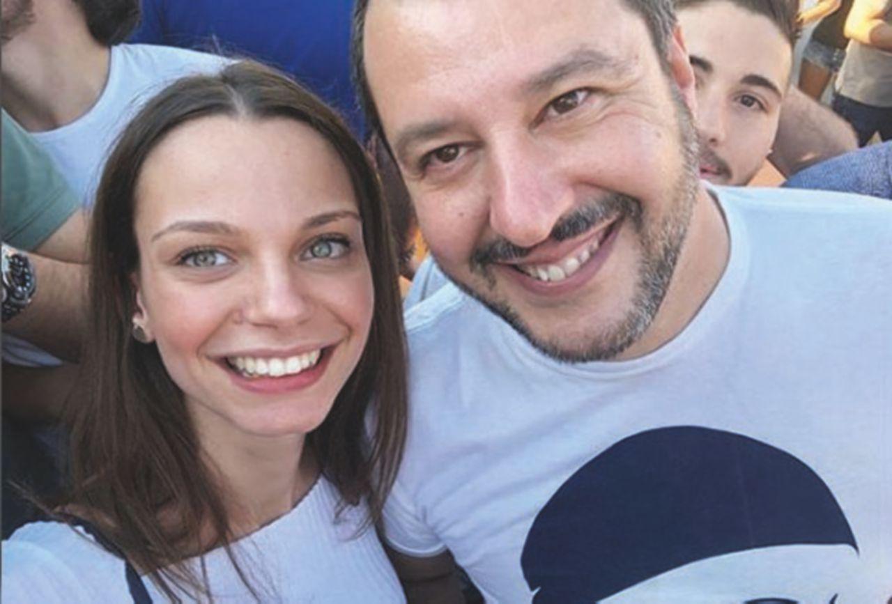 La leghista Alessandra, dai cuoricini di Pontida alle feste in ambasciata