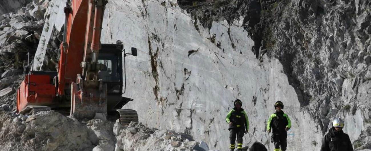 """Carrara, operaio muore colpito da un blocco di marmo: """"Aveva un contratto di 6 giorni"""". La Cgil: """"Strage di lavoratori"""""""