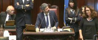 """Tribunale Bari, la Camera respinge la sospensione del testo. I deputati di Pd e LeU contro i 5stelle: """"Onestà, onestà!"""""""