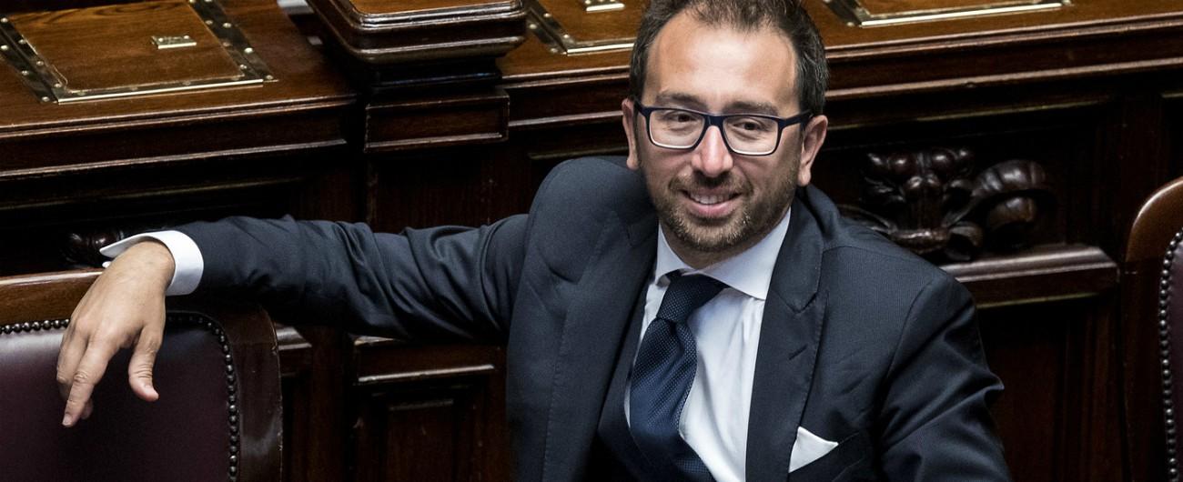 """Legittima difesa, al via iter per cambiare la legge. Lega: """"Procedere spediti"""". M5s frena. Bonafede: """"Non liberalizzare armi"""""""