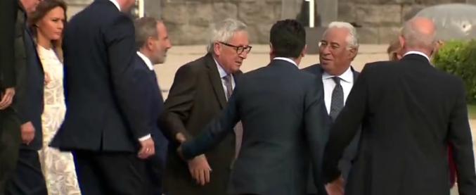 Risultati immagini per Juncker non si regge in piedi