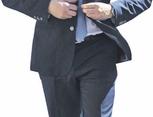 """Il ministro Fraccaro: """"Dopo i vitalizi ora tagliamo i parlamentari: via in 345"""""""