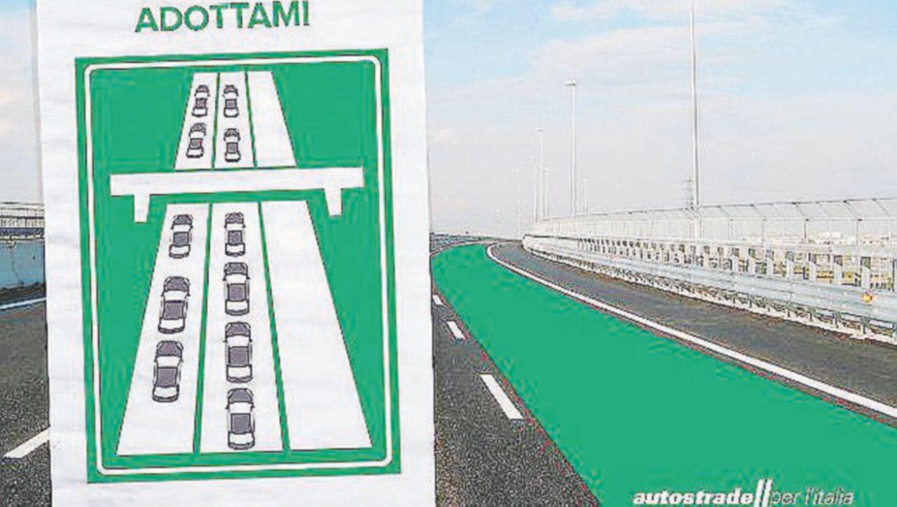 Autostrade per l'Italia, la campagna social sulla corsia di destra scatena l'ironia in Rete