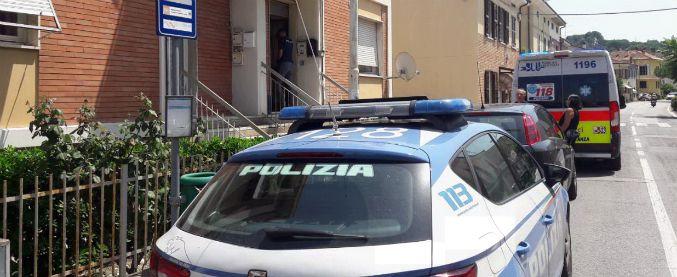 Pesaro, donna di 52 anni uccisa in casa: fermato un uomo che ha confessato