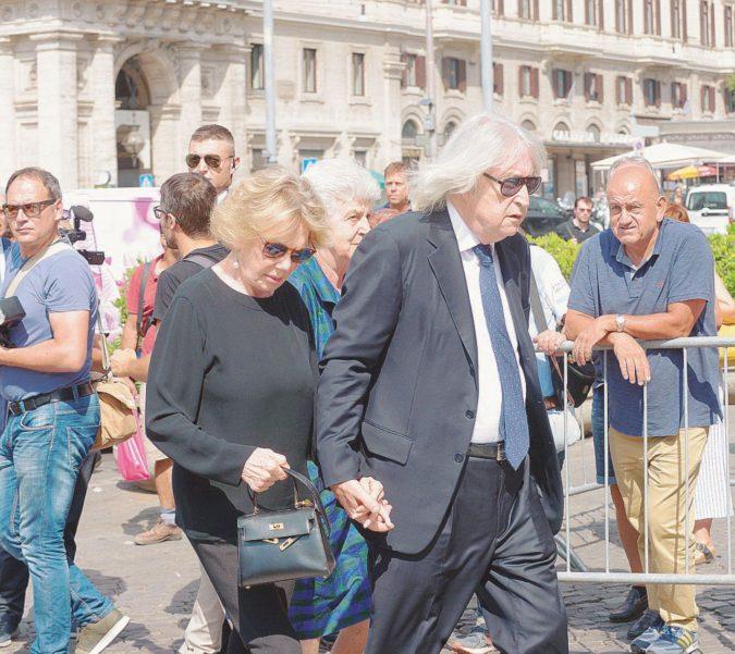 Vanzina è vivo e lotta con noi: la commedia italiana non si ferma