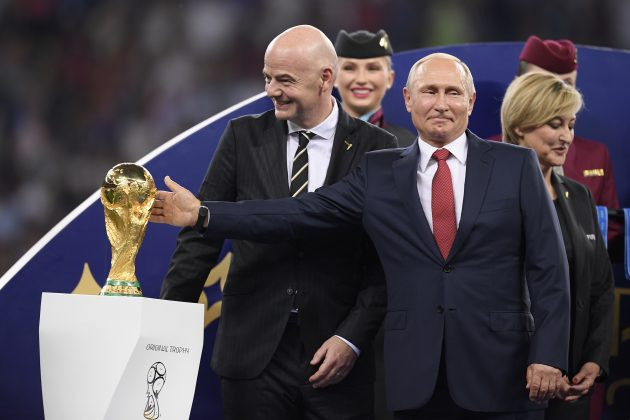 Russia 2018, le palle di Putin / Croazia, la finale persa vi