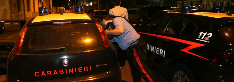 """Ancona, accoltella un carabiniere alle spalle: arrestato. """"Prognosi riservata ma non è in pericolo di vita"""""""