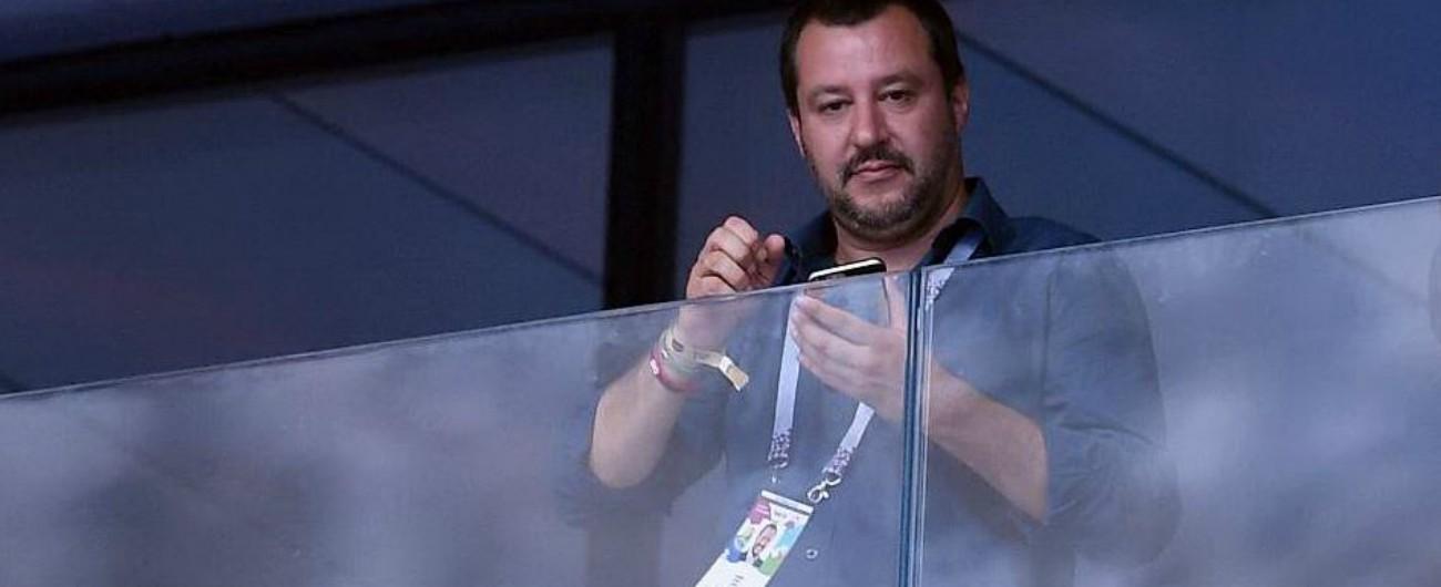 """Salvini alla finale dei Mondiali, dopo le polemiche lui replica: """"Nessun aereo di Stato, ero su un normale volo di linea"""""""